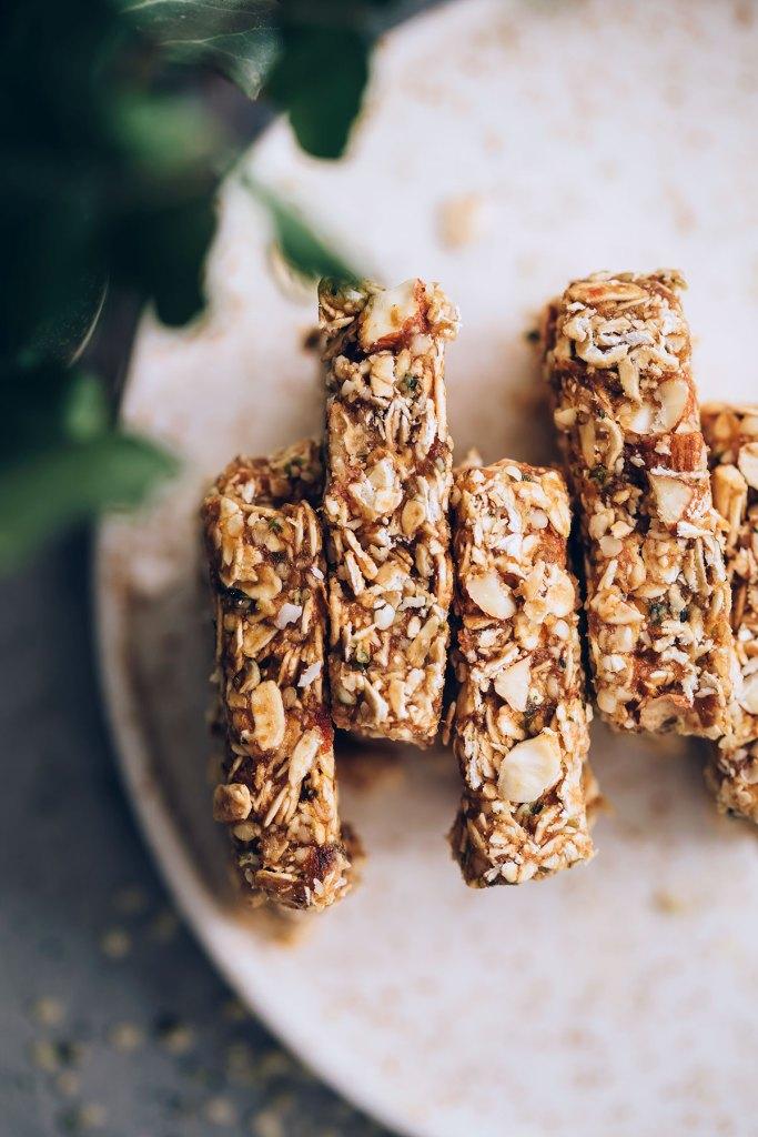 Caramel Nut Hemp Granola Bars