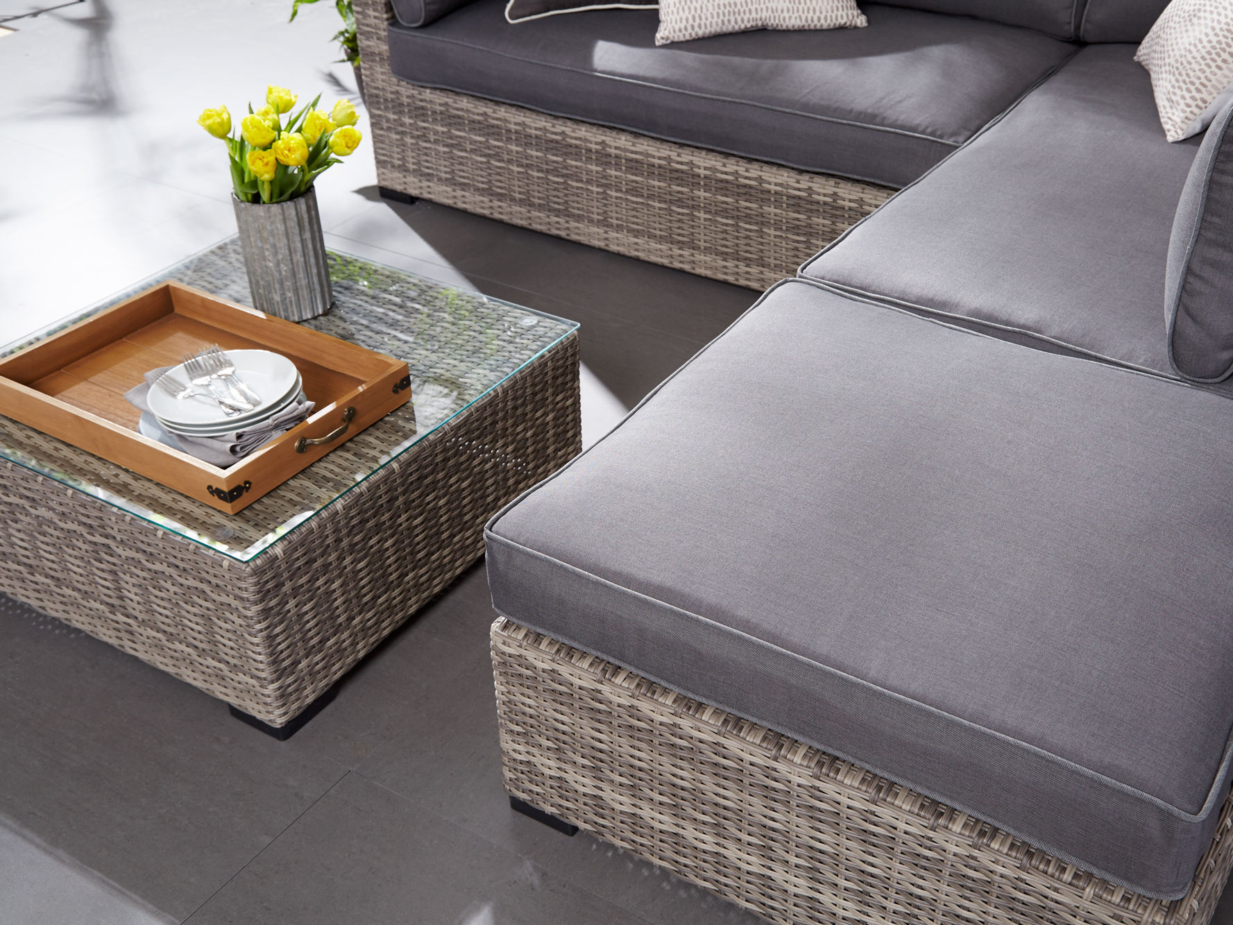 How To Set Up Your Patio Furniture So It Feels Like A Real Part Of Your Home