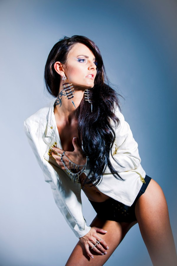 Studio fashionshoot. Model: Camilla Bekkemellem