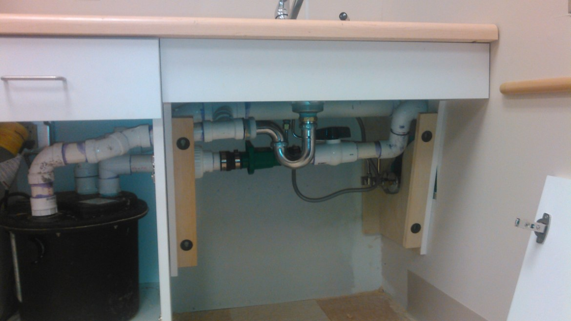 we provide exceptional plumbing service to repair sink