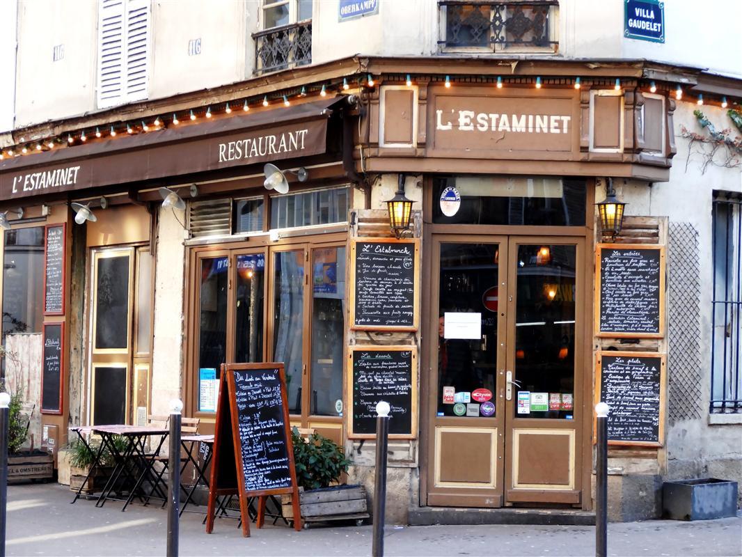 restaurantbesuch in paris touristen in paris. Black Bedroom Furniture Sets. Home Design Ideas