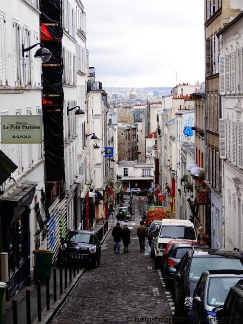 Die versteckte Seite von Montmartre : Touristen in Paris
