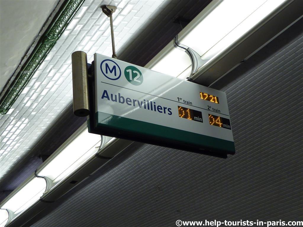 Anzeigentafeln Metro Paris