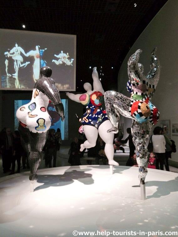 Nana Figuren von Niki de Saint Phalle