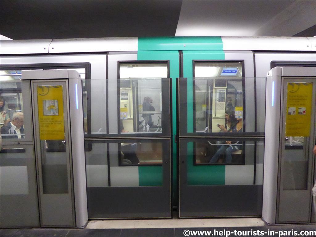Automatische türen  Insiderwissen zur Pariser Metro | Touristen in Paris