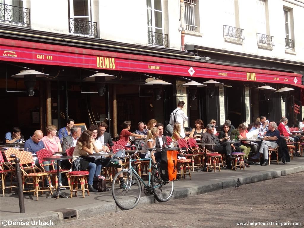 Café Terrasse in Paris