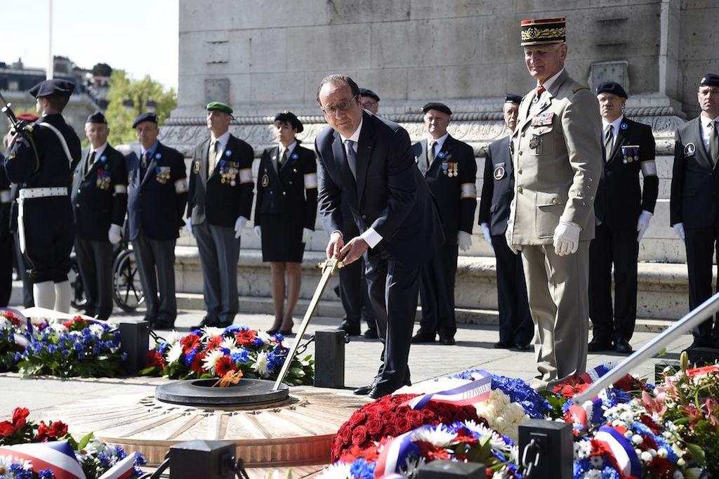 8. Mai Kranzniederlegung Paris