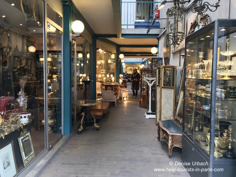 Antikes Flohmarkt Porte de Clignancourt