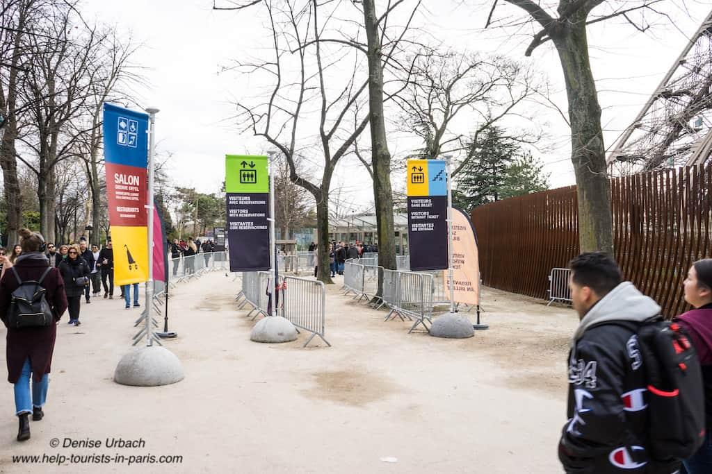 Eiffelturm_Eingang_Warteschlangen