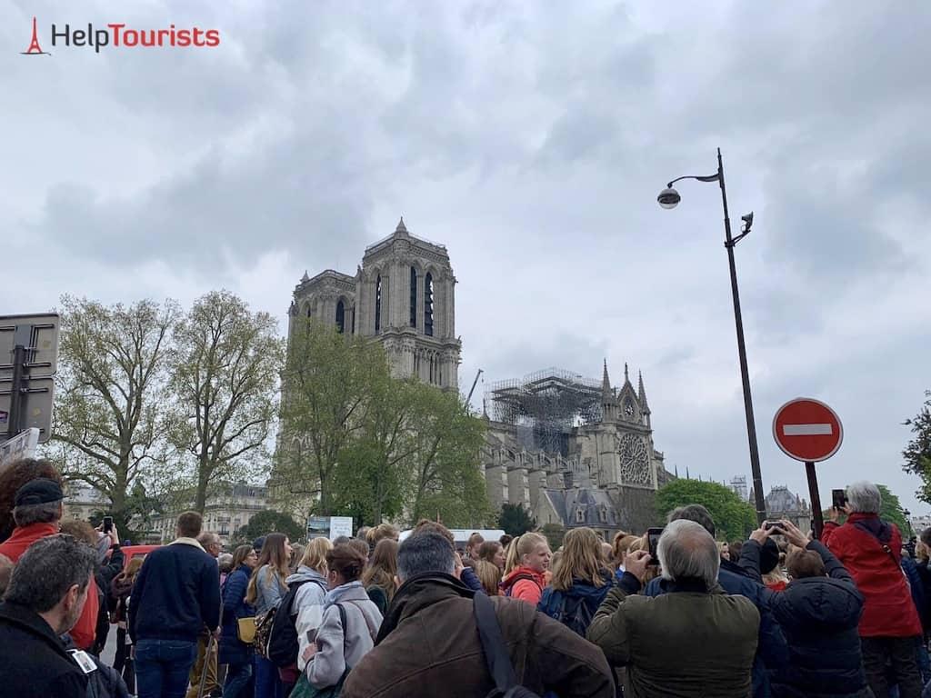 Notre-Dame nach Brand