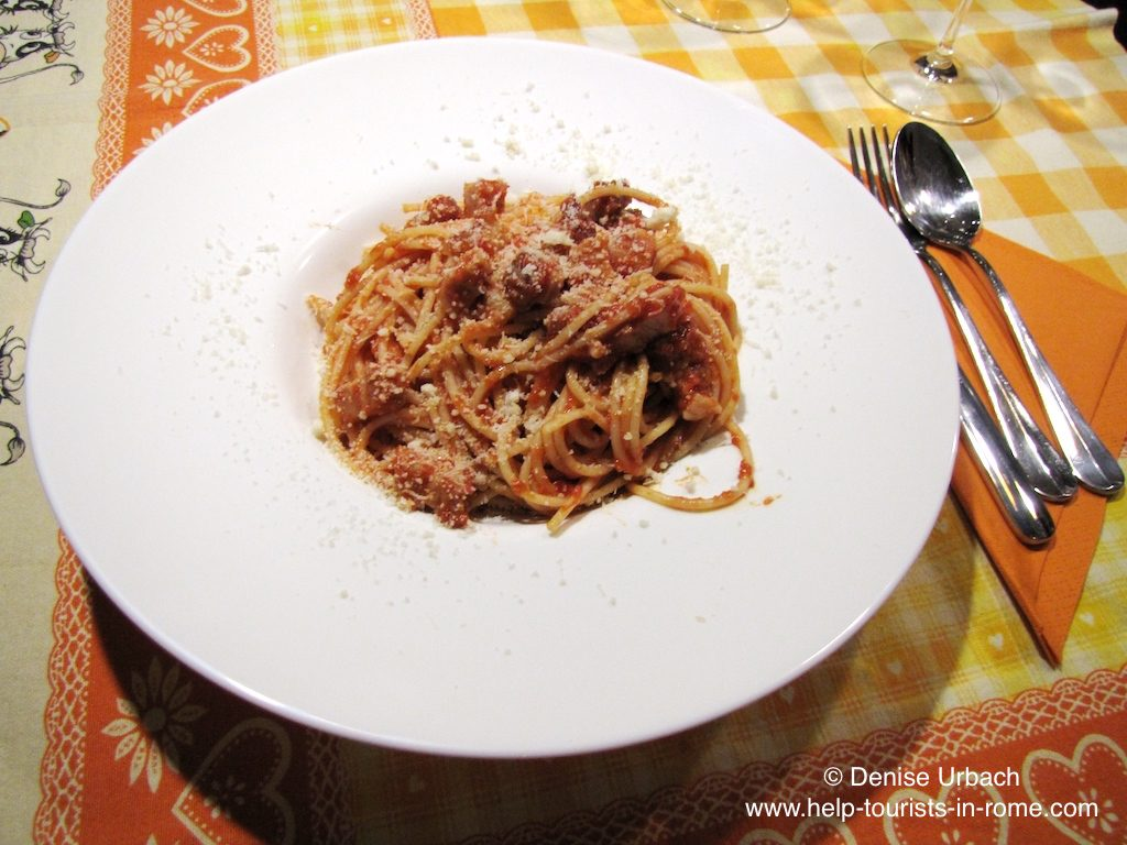 try-amatriciana-pasta-in-rome