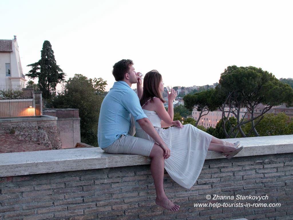 Valentinstag in Rom Paar im Orangengarten