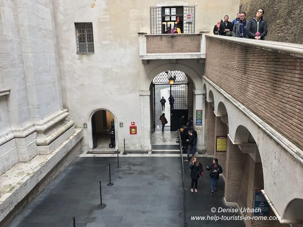 Kuppel Petersdom Eingang