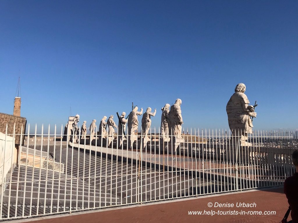 Petersdom Statuen