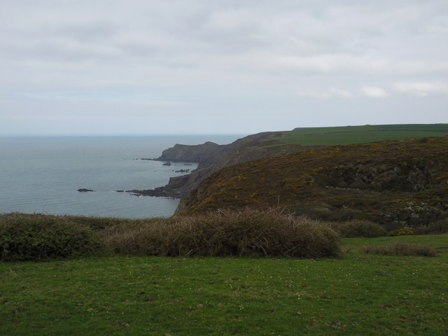 Hippa Rock and Higher Sharpnose Point