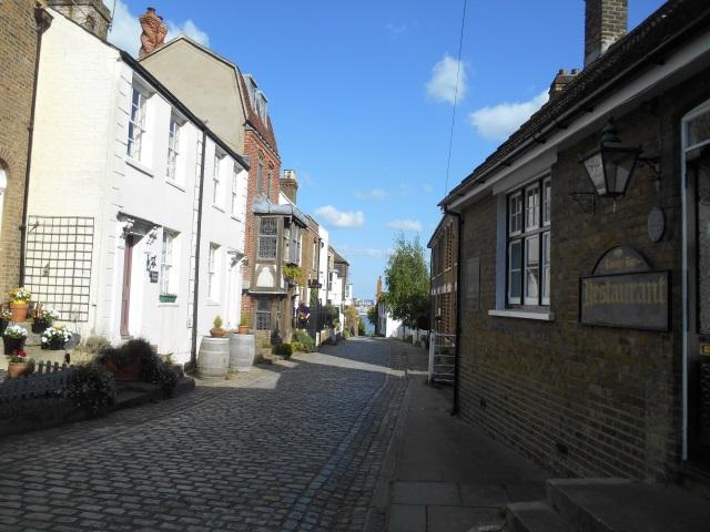 A pretty side street in Upnor
