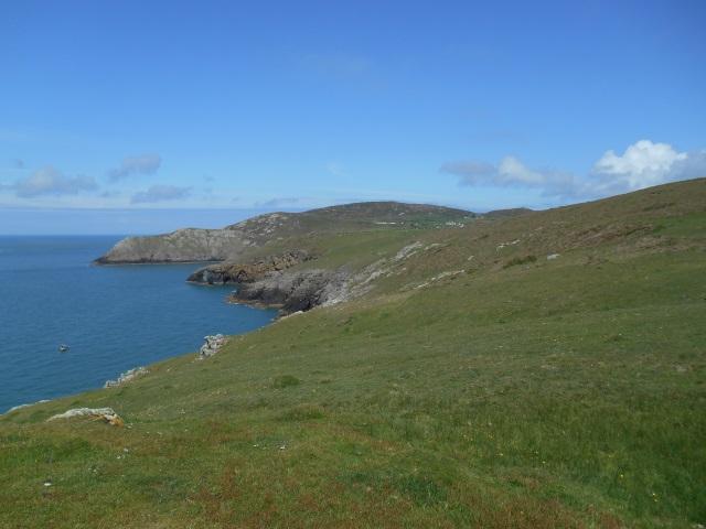 Approaching Mynydd Mawr