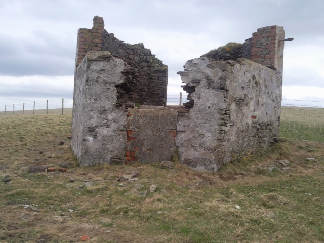 a small ruined building