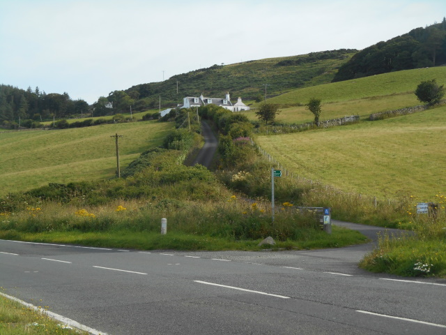 The start of the old coach road, heading uphill past Bonny Braes