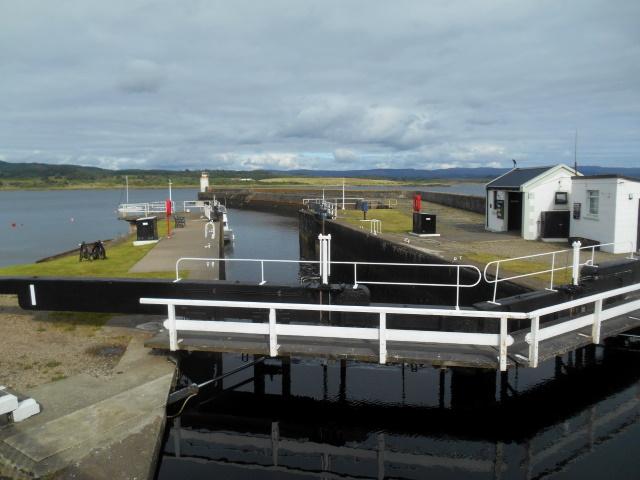 CRinan Canal Lock No. 1