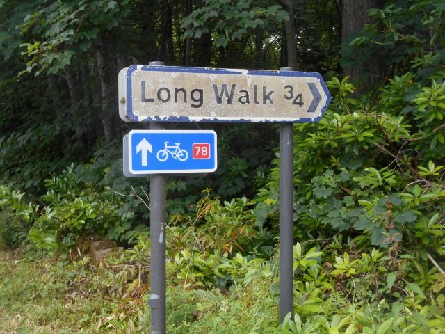 Sign: Long Walk ¾