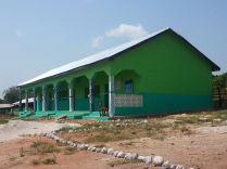 Prachtige school in mooie kleuren