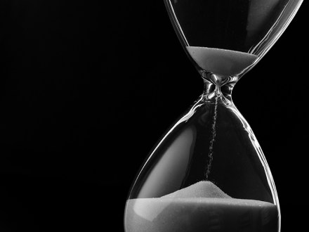 Picture of sand in hourglass