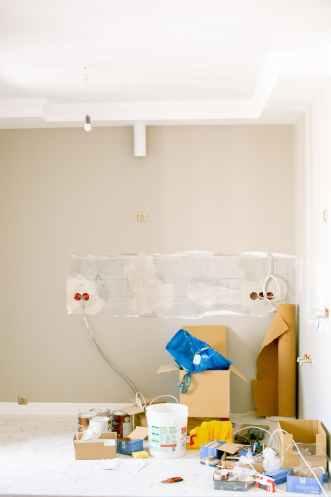 Muuton yhteydessä kotiin on löydettävä sopiva sähkösopimus.