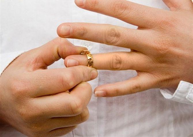 Что нужно знать о свидетельстве о расторжении брака. Получение свидетельства о расторжении брака: правильная пошаговая инструкция