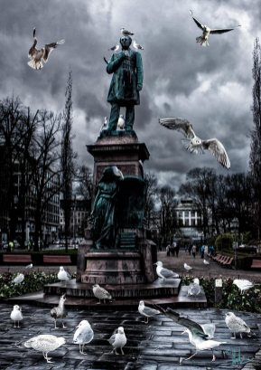 Helsinki Secrets revealed: Runeberg and the seagulls