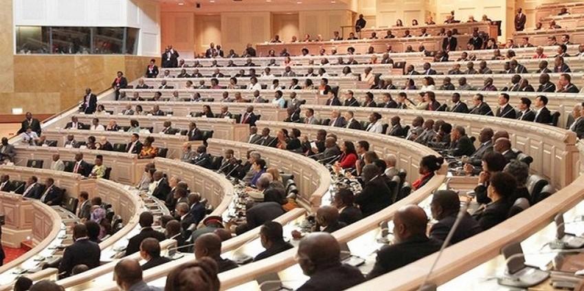 Angola : Les députés lancent le processus de dématérialisation des services parlementaires