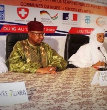 Le présidium lors de l'ouverture de la 8ème édition des journées des communes à Tillabéry © www.anp.ne