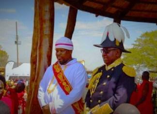Litunga avec Gawa Undi lors d'une sortie officielle © Barotseland Post / HA