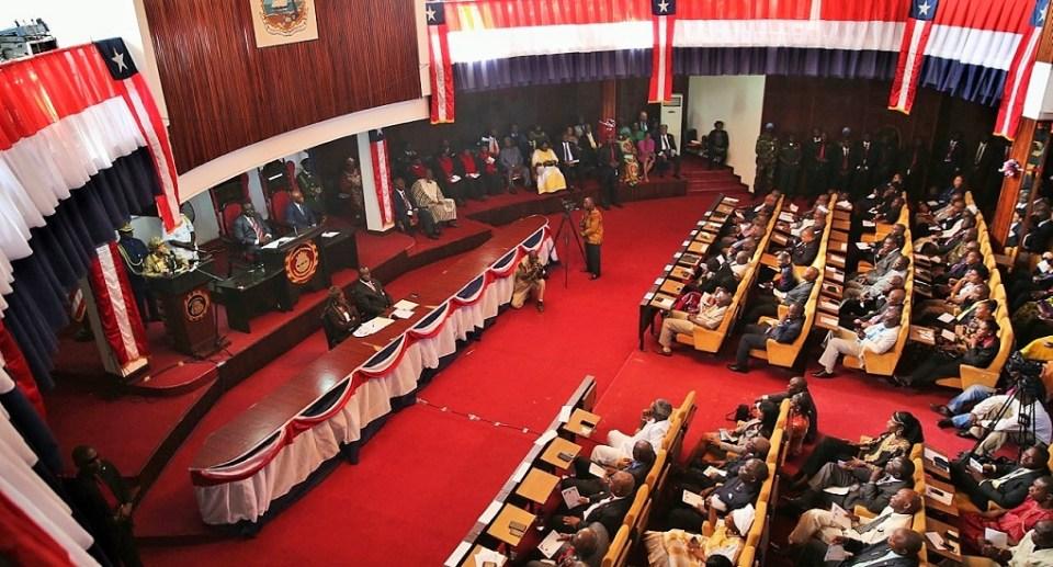 Vue partielle de l'Assemblée nationale de Libéria © IFEX / HA