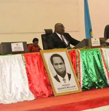 Les membres du bureau de l'Assemblée nationale lors des questions orales avec débat au gouvernement représenté par le ministre de la santé publique et de la lutte contre le sida © Parlement burundais
