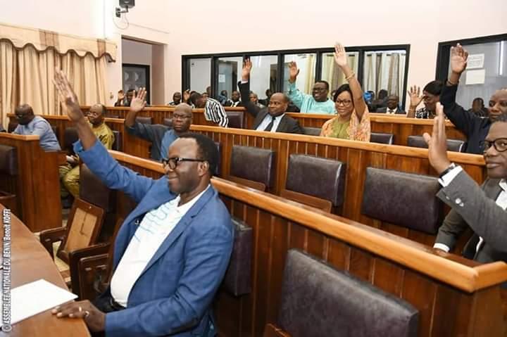Les députés de la 8ème législature lors de l'adoption de la loi sur le statut de l'opposition ce jeudi 21 novembre 2019 © AN / HA