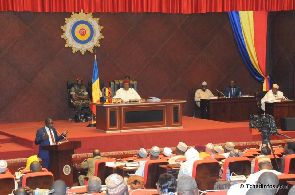 """Tchad: Le parlement fait l'inventaire et """"liquide"""" le personnel"""