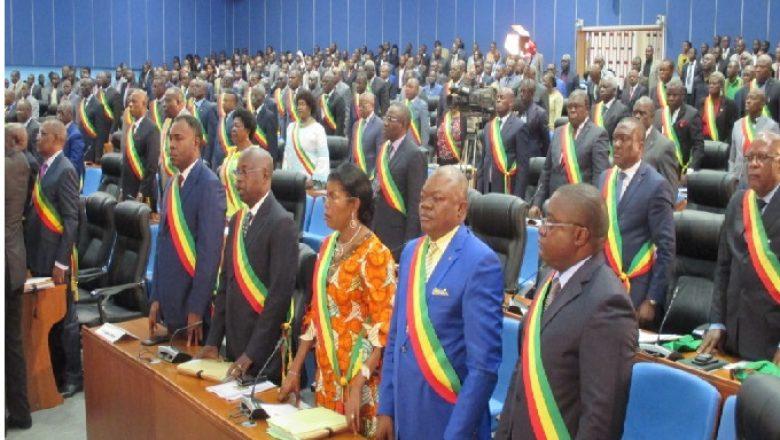 Les députés congolais approuvent le projet de loi portant répartition des sièges ©Journal de Brazza
