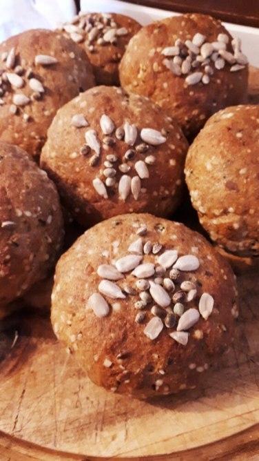 Proteinové konopné housky bez lepku