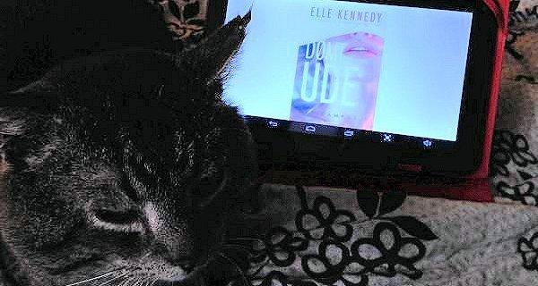 """""""Dømt ude"""" af Elle Kennedy - boganmeldelse - Jensens bogblog"""