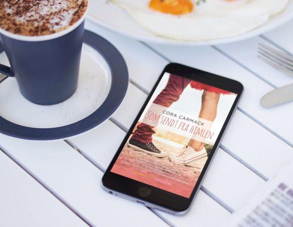 """""""Som sendt fra himlen"""" af Cora Carmack - boganmeldelse - Bogfinken bogblog"""