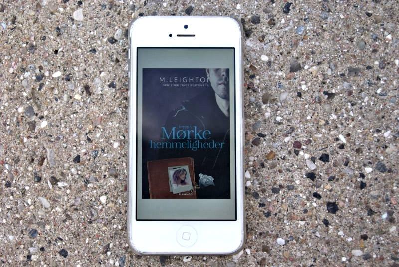 """""""Mørke hemmeligheder"""" af M. Leighton - boganmeldelse - Bogfinkens bogblog"""
