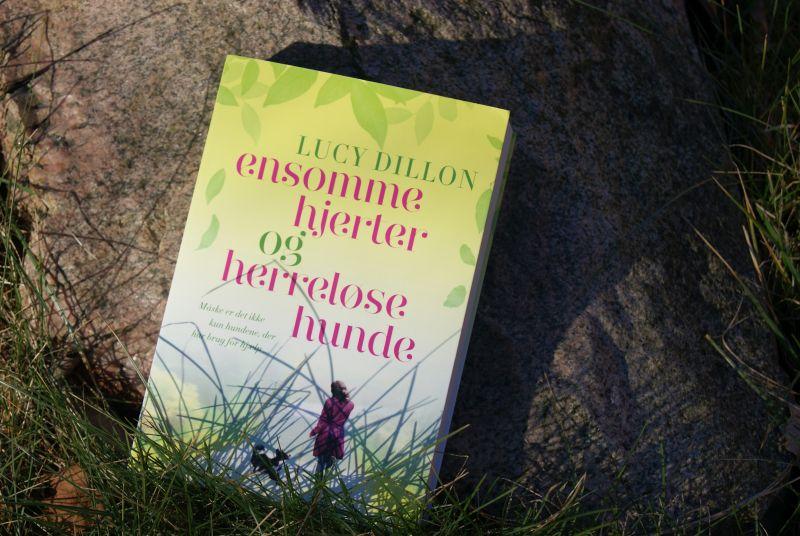 """""""Ensomme hjerter og herreløse hunde"""" af Lucy Dillon - boganmeldelse - Bogfinkens bogblog"""