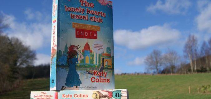 """""""Destination India"""" (The lonely hearts travel club #2) af Katy Colins - Bogfinkens bogblog"""