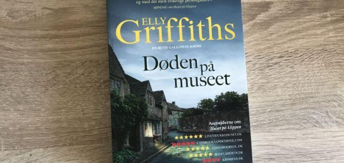 Døden på museet af Elly Griffiths - Bogfinkens bogblog