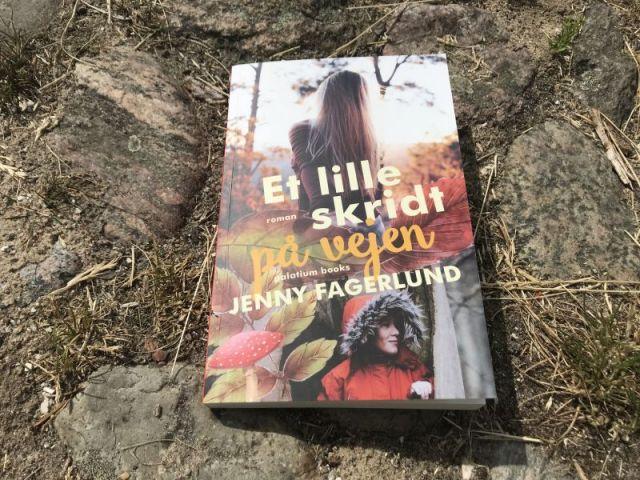 Et lille skridt på vejen af Jenny Fagerlund - Bogfinkens bogblog