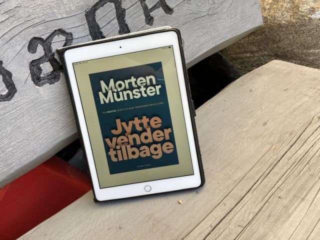 Jytte vender tilbage af Morten Münster