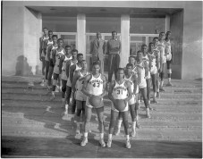 Morgan State College basketball team, HEN.03.02-064