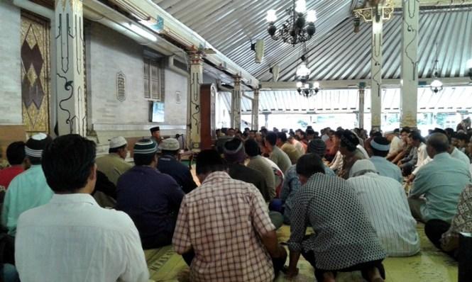 Takjil Masjid Gedhe