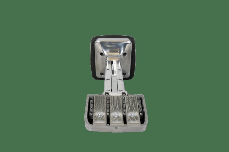 Knee kicker move install artificial turf